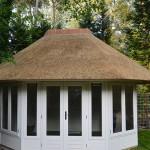 Nieuw rieten dak - Tuinhuisje Ermelo