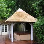 Nieuw rieten dak - Tuinhuisje Renkum