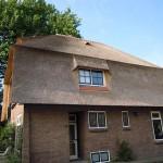 Rieten dak - villa Nieuwegein zijkant