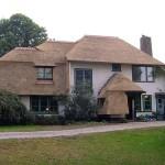 Rieten dak - villa Soest voorkant