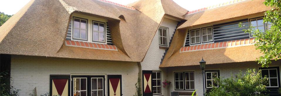Rietdekkersbedrijf Van Drie en Vliek_Nieuw rieten dak Kapzaksteeg